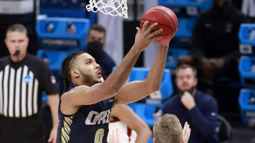 Why is Kevin Obanor Leaving Oral Roberts?