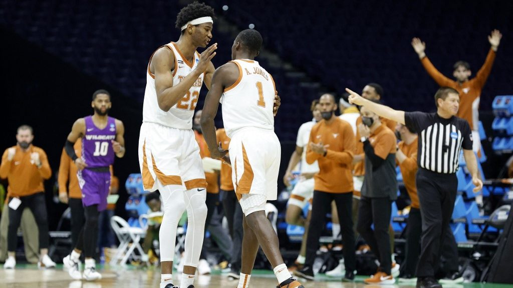 Should Texas and Oklahoma Become Members of the SEC?