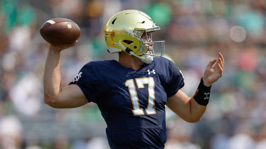 Notre Dame vs. Wisconsin NCAAF Week 4: Expect Close Battle of Ranked Teams in Chicago